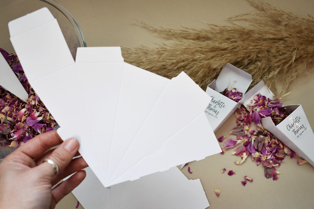 confetti cone | eco friendly confetti | confetti packet