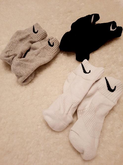 Worn gym socks -BLACK