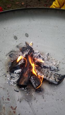 regelmäßig machen wir ein Lagerfeuer