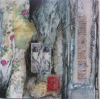 Traces I  mixed media on canvas 20cm x 20cm