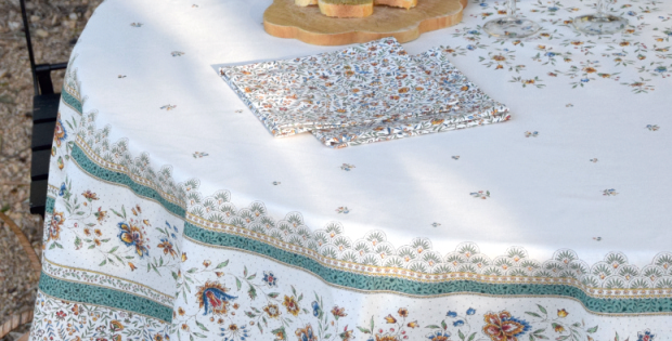 """Ecru/Green Beaucaire 70"""" Round Coated Cotton Tablecloth"""