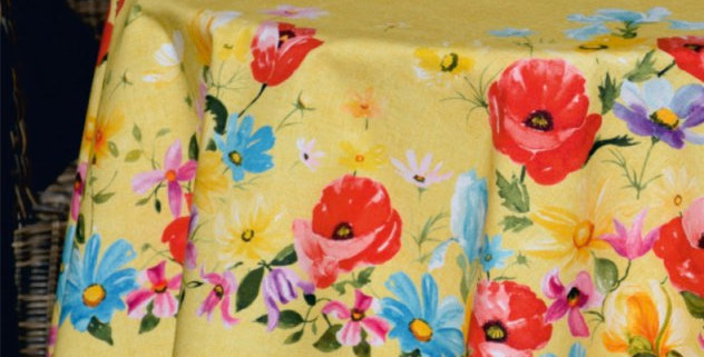 """Yellow Poppies 70"""" Round Coated Tablecloth & 4 Napkins Set"""
