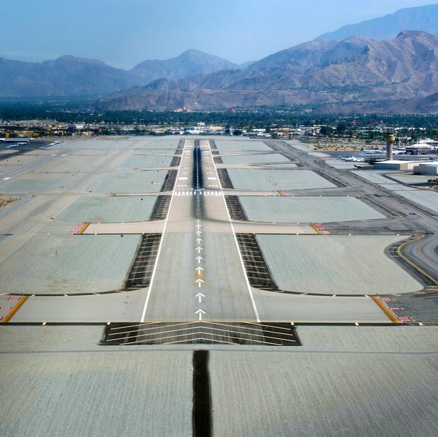 Palm_Springs_International_Airport_photo