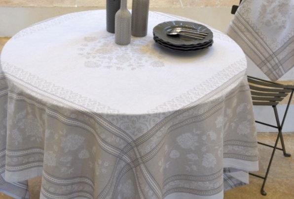 Ecru Ramatuelle Jacquard Woven Tablecloths