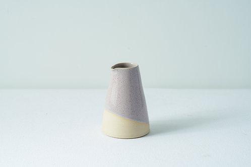 Medium pourer: Parma violet