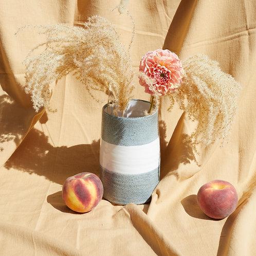 Medium vase- White & textured grey