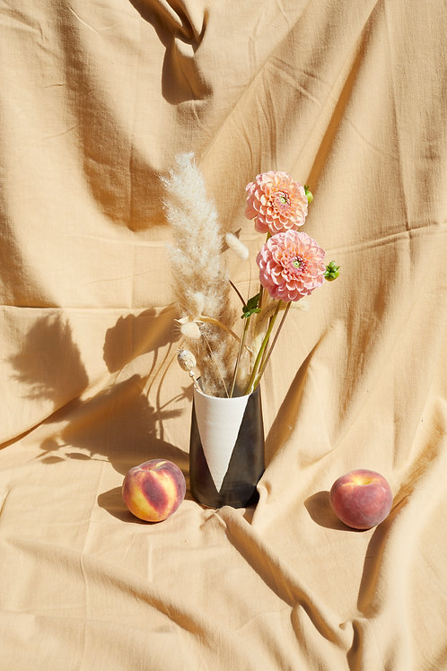 Medium Vase- Black