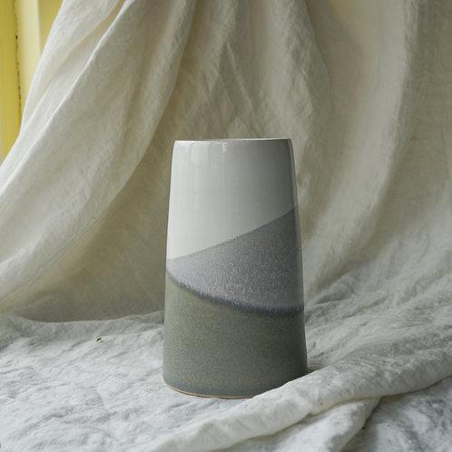 Medium vase- White/Grey