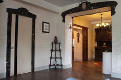 Мраморные порталы в частном доме