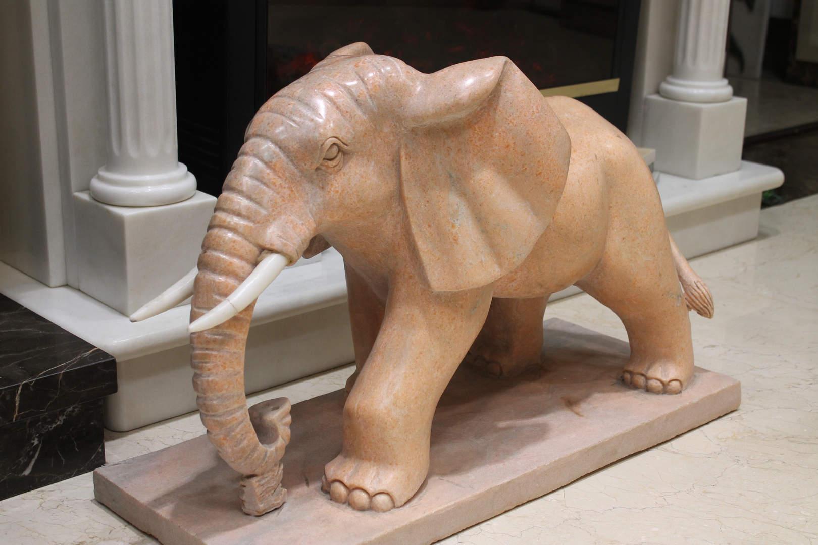 Мраморный слон