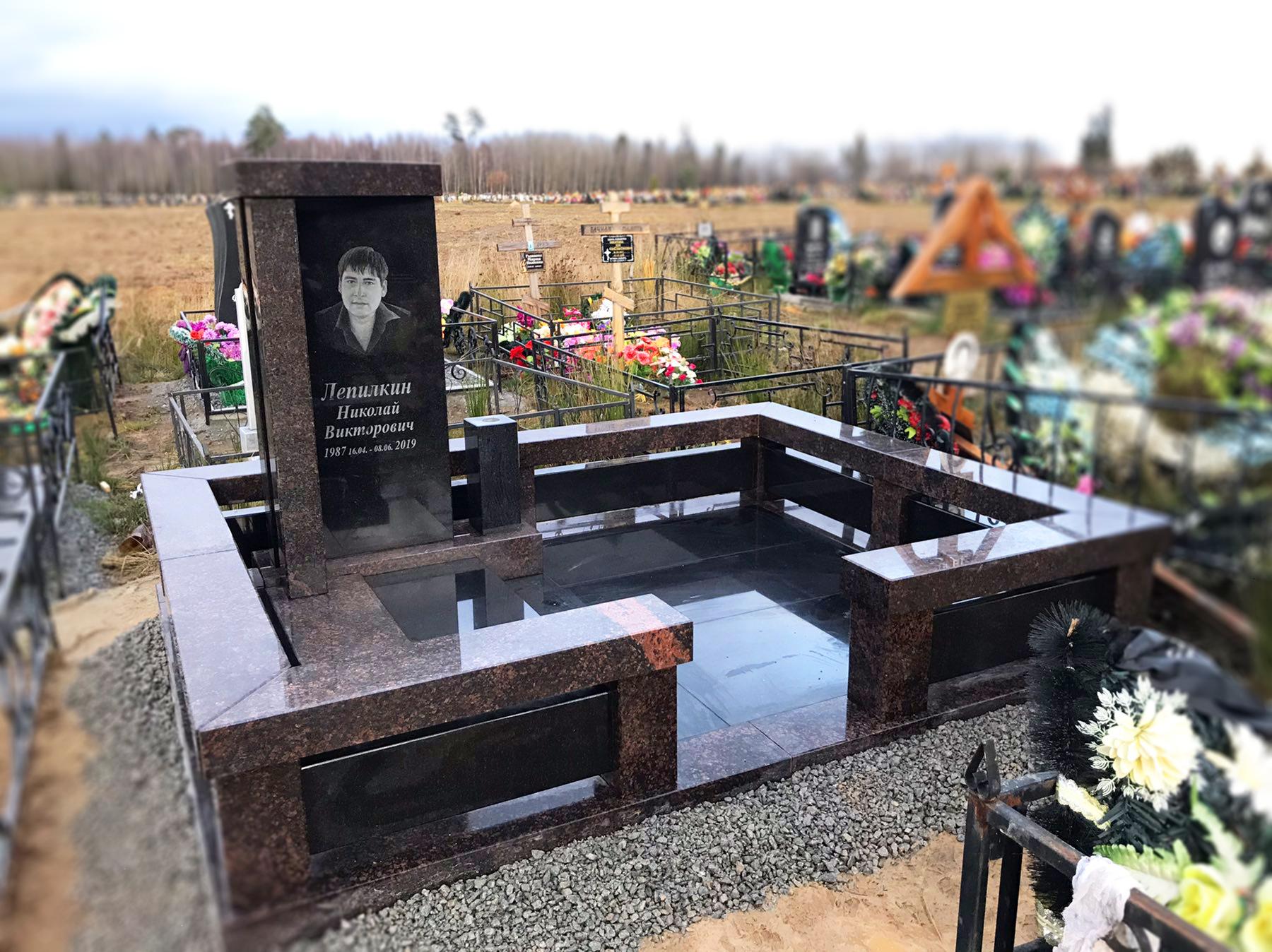 """Комбинированный памятник """"Классицизм"""""""