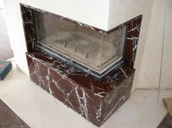 Камин с мраморной облицовкой