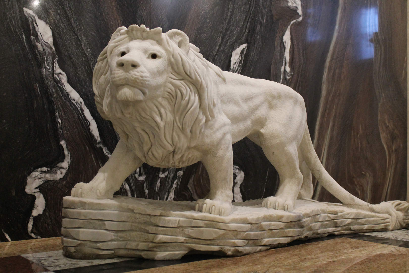 Мраморный лев.