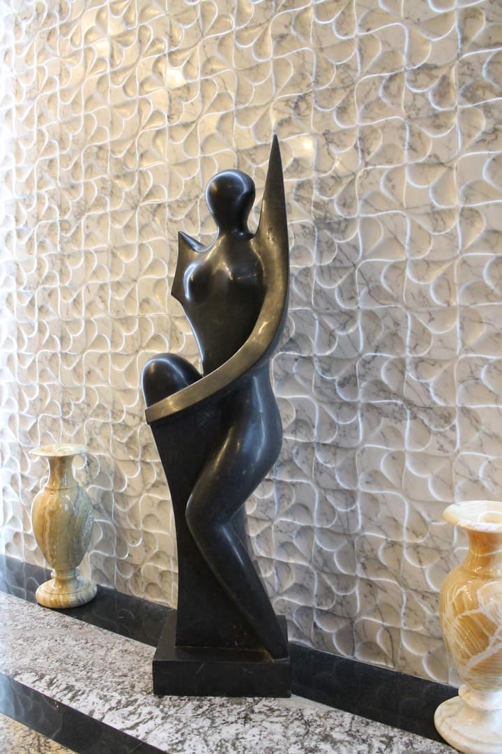 Скульптура из гранита.