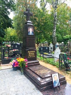 """Памятник в купеческом стиле """"Обелиск"""""""