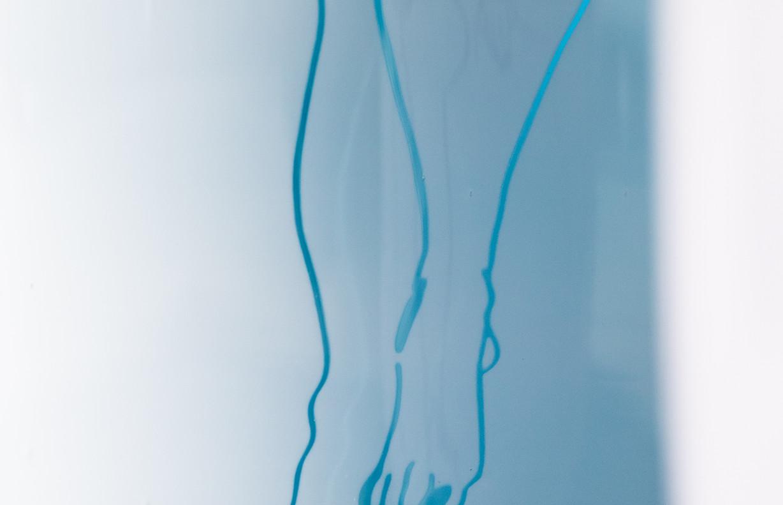 """""""Eva, Sina und Kerstin, baumelnd"""", Graalglas mit Incalmo-Technik."""