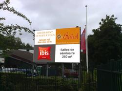 Panneaux Ibis Compiègne