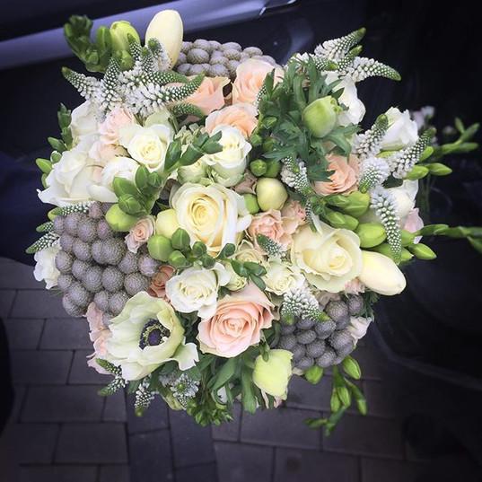 #novaflora #wnajwazniejszychchwilach #weddingflowers #weddingbouquet #flowers #flowersforwedding