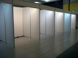 montaje-stands-cancun-ulsa2013-1