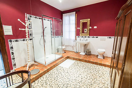 Bagno camera Veneziana.jpg