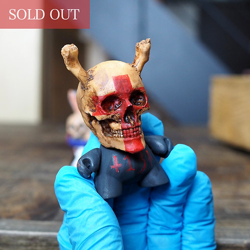 "Custom Dunny ""The 13th Cross"" ed.3"