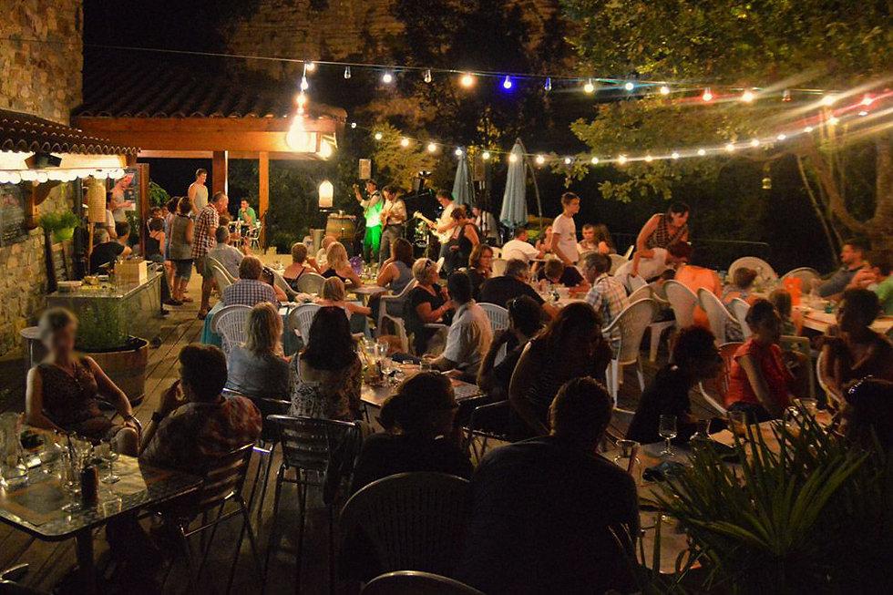 restaurant-terrasse-nuit.jpg