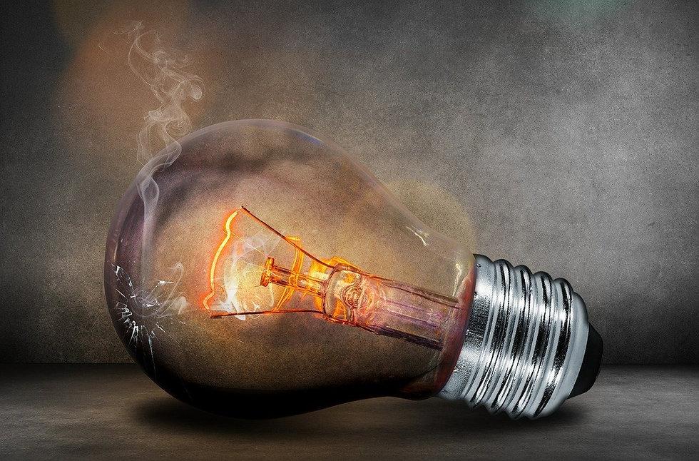 light-bulb-503881_1280_edited.jpg