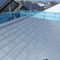 屋根板金工事【海の近く,家族の時間を楽しむ家】