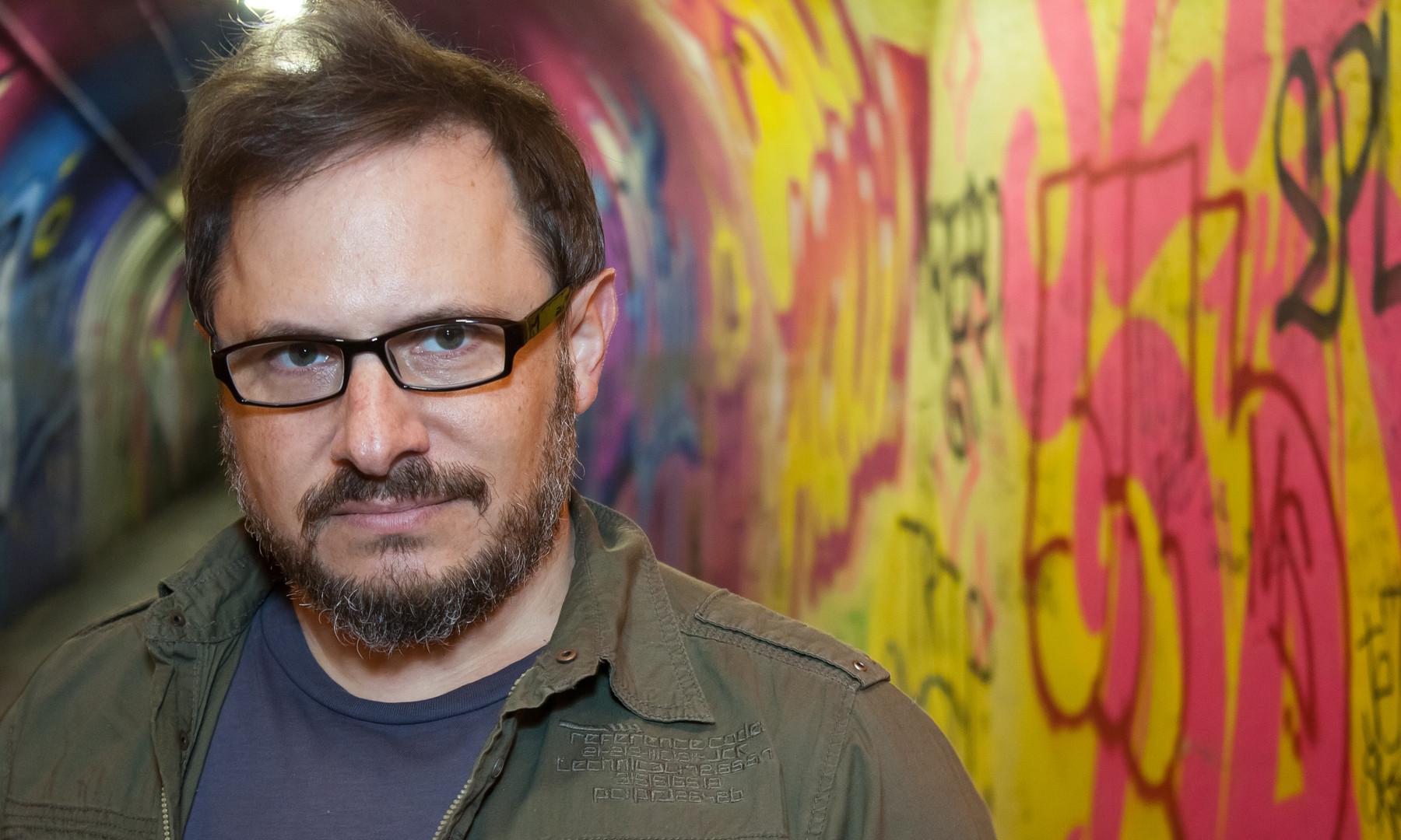 Tunnel beard Nick