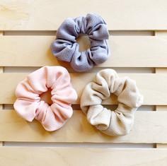 Mini Spring Knit Scrunchies