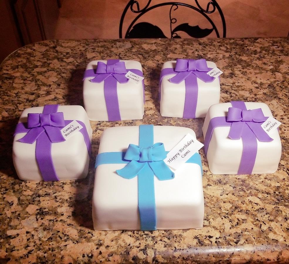 Mini Pandemic surprise cakes