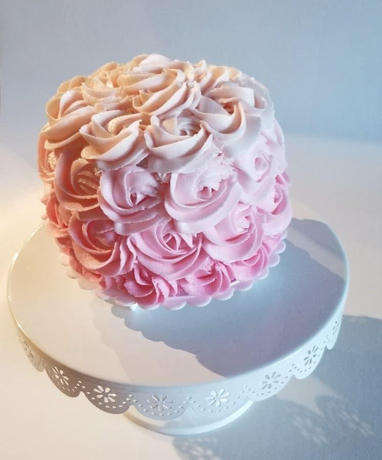 Smash pink cake