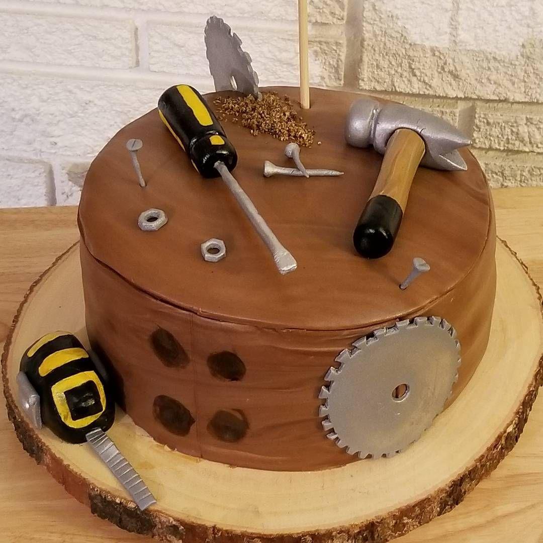 Tools cake