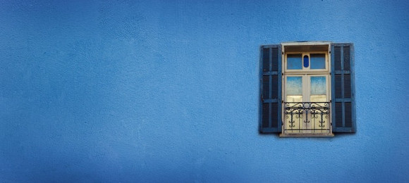 old-blue-painted-windows-concrete-wall-banner-with-copy-space-pop-art-concept-greek-style-