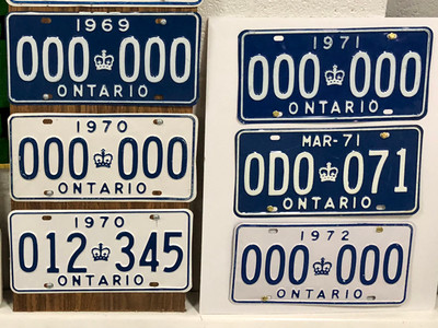 Sample plate display by Don Goodfellow.