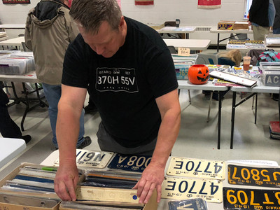 Chris Sterrett looks for plates.