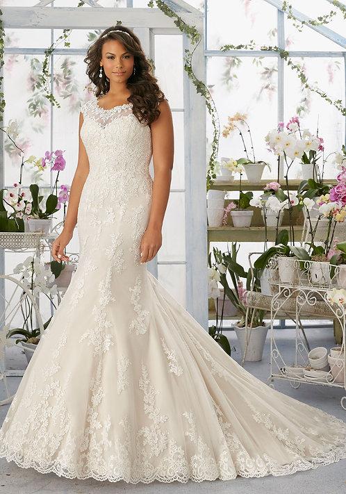 Brautkleider große Größen, für mollige, mit Träger, Spitze A-Linie champagne