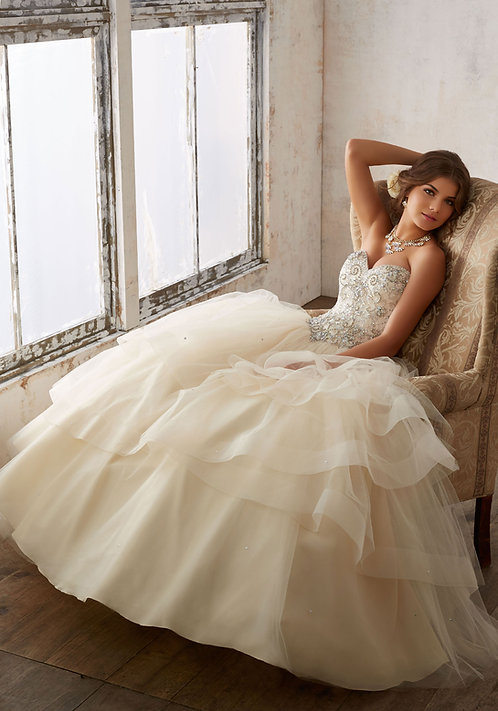 Ballkleid Brautkleid Tüll Herzausschnitt Prinzessin sissi champagne