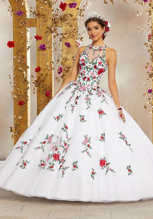 Spanische Brautkleider - Hochzeitskleider aus Tüll in Sissi Prinzessin Style mit vielen Blumen. weiss