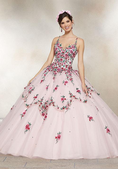 Spanische Brautkleider - Hochzeitskleider aus Tüll in Sissi Prinzessin Style mit vielen Blumen. Blush rosa Farbe.