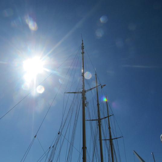 Sonnenschein und Segel