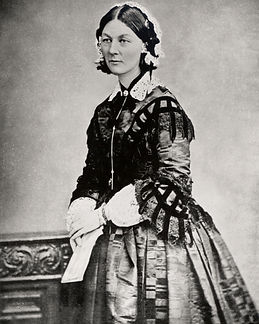 220px-Florence_Nightingale_CDV_by_H_Lent