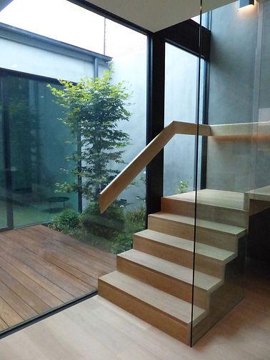 Internal light court, courtyard, deck - Le Page Design