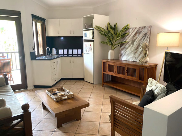 Hibiscus Number 9   |   kitchen