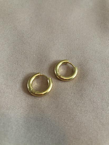 Mia huggie earrings