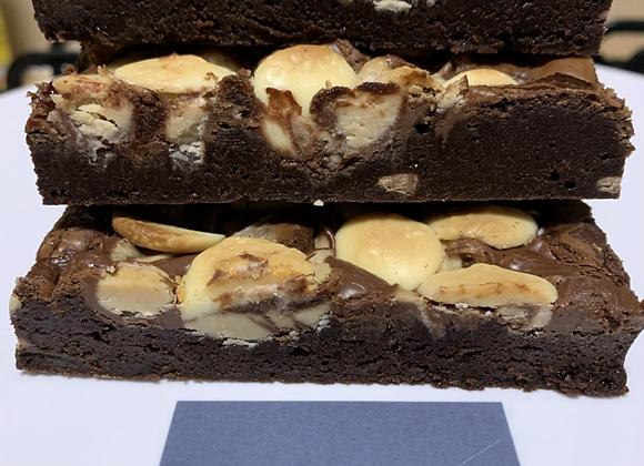 Nutella & Kinderella Brownie Traybake
