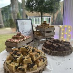 Wedding traybake pieces