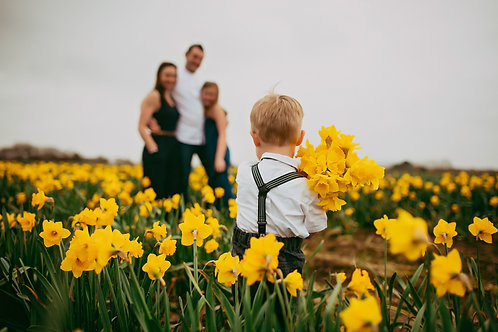 Party in the Daffs Photoshoot