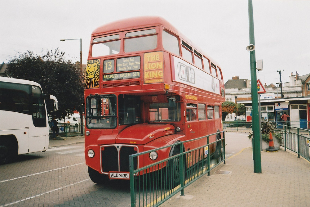 RM 1913 at Golders Green bus station, September 2005 © Mike McDermott