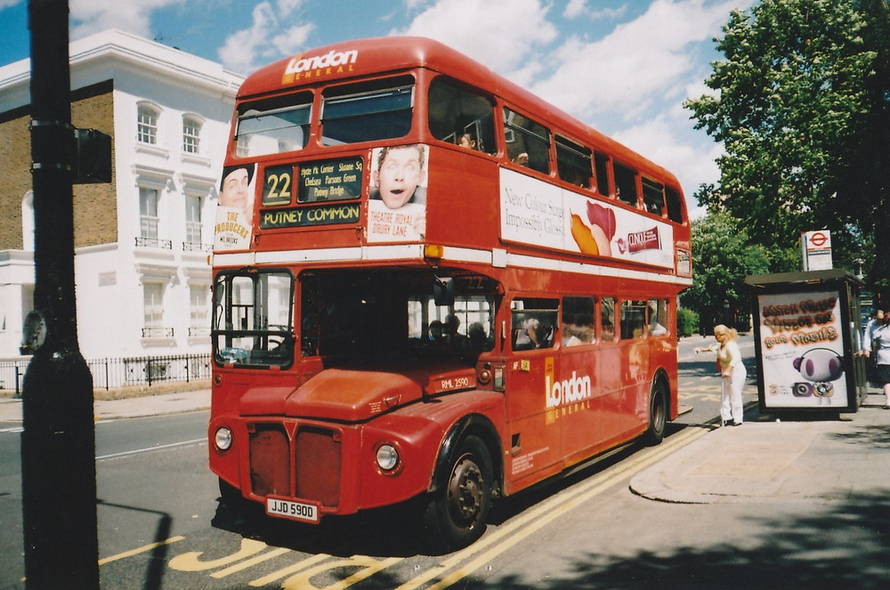 RML 2590 in King's Road, Chelsea, July 2005 © Mike McDermott